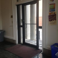 รูปภาพถ่ายที่ BellSouth Building, College of Charleston โดย Hannah F. เมื่อ 11/19/2012