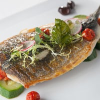 Das Foto wurde bei Aquarius Restaurant von Aquarius Restaurant am 2/10/2014 aufgenommen