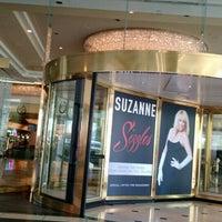 รูปภาพถ่ายที่ Westgate Las Vegas Resort & Casino โดย Stela G. เมื่อ 5/25/2015