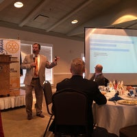 Foto scattata a The Rotary Club of Omaha Meetings da Todd M. il 10/28/2015