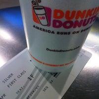 Das Foto wurde bei Dunkin' Donuts von Stephen P. am 4/23/2013 aufgenommen