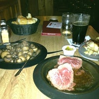 10/17/2012にJohn E.がLindey's Prime Steak Houseで撮った写真