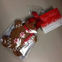 Foto scattata a Simcoe Place Food Court da Myke H. il 12/12/2014