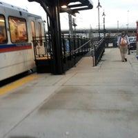Foto tirada no(a) RTD - Auraria West Campus Light Rail Station por Patrick K. em 9/26/2012