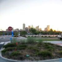 Foto tirada no(a) RTD - Auraria West Campus Light Rail Station por Patrick K. em 9/14/2012