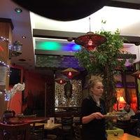 5/25/2015 tarihinde Mike W.ziyaretçi tarafından Mango Thai Tapas Bar'de çekilen fotoğraf