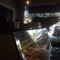 รูปภาพถ่ายที่ Proper Sausages โดย Eduardo H. เมื่อ 9/21/2013