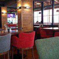 12/6/2014 tarihinde Rosemary Cafe & Restaurant Bar Y.ziyaretçi tarafından Tıkırtı Cafe Restaurant'de çekilen fotoğraf
