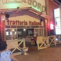 Foto tirada no(a) Pizza D'oro por Tiago B. em 11/16/2012