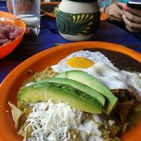 Foto scattata a Frida Chilaquiles da Cinthia E. il 5/31/2015