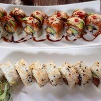 Foto tirada no(a) Keizo Teppan Sushi Bar por Tannia H. em 6/29/2014