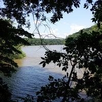 Das Foto wurde bei Cochran Shoals - Chattahoochee River von Michael F. am 7/12/2013 aufgenommen