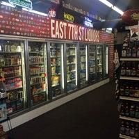 4/14/2014にInder B.がEast 7th Liquorで撮った写真