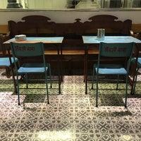 Foto scattata a Puiggròs da Forn-Cafeteria Puiggros il 3/13/2015