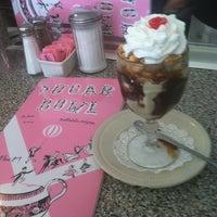Foto diambil di Sugar Bowl Ice Cream Parlor Restaurant oleh annie h. pada 3/9/2013