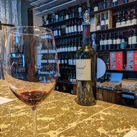 Foto tirada no(a) Girard Winery Tasting Room por Mike P. em 12/9/2019