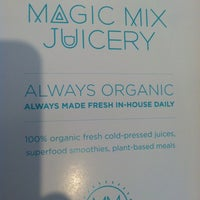 Foto tomada en Magic Mix Juicery  por Courtney R. el 2/15/2013
