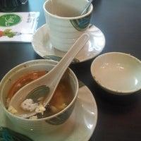 Foto diambil di Sushi Washoku oleh Fabiola V. pada 9/24/2014