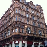 Photo prise au Leicester Square par ʌlı le9/30/2012