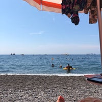 Foto tomada en Bagni d'Arienzo Beach Club por Terena P. el 8/19/2018