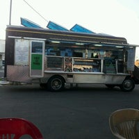 Das Foto wurde bei Jamburritos Cajun Grill Express von Dee P. am 2/14/2013 aufgenommen