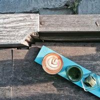 9/13/2015 tarihinde Jedwind T.ziyaretçi tarafından Seniman Coffee Studio'de çekilen fotoğraf