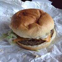 Foto diambil di Union Burger oleh Nick S. pada 10/24/2014