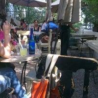รูปภาพถ่ายที่ La Cafetería โดย vanja m. เมื่อ 11/10/2012