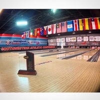 Foto tirada no(a) International Bowling Museum & Hall Of Fame por Jimmy S. em 3/22/2015