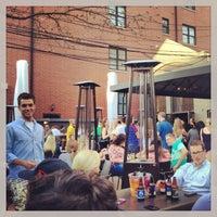 Foto tirada no(a) Kirkwood Bar & Grill por Martyn H. em 5/1/2013