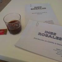 Foto tomada en Cafetería de la Facultad de Derecho y Ciencias Sociales por Antonio C. el 5/12/2014