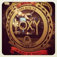 Photo prise au Foxy Bar par FoxyBar B. le6/23/2013
