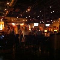 Foto scattata a BJ's Restaurant & Brewhouse da Glenn T. il 10/6/2012