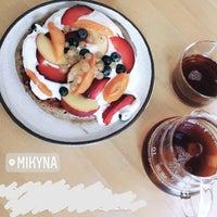 Foto scattata a Mikyna Coffee & Food Point da Annika S. il 8/19/2018