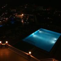 Снимок сделан в Azka Hotel пользователем Erdem Ü. 5/30/2012