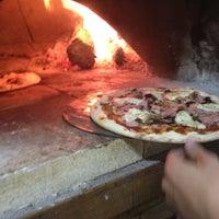 รูปภาพถ่ายที่ Pizza Première โดย David T. เมื่อ 3/30/2012