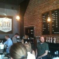 Foto scattata a Quay Coffee da Carolyn A. il 6/30/2012