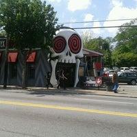 รูปภาพถ่ายที่ The Vortex Bar & Grill โดย Michelle L. เมื่อ 4/2/2012
