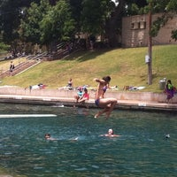 Photo prise au Barton Springs Pool par Loranda le7/2/2012