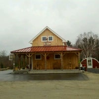 Photo prise au Red Barn Coffee At Angel's Cafe par James B. le3/25/2012