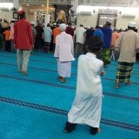 Foto scattata a Masjid Jamek Haji Mat Saman da Hailan A. il 7/27/2012