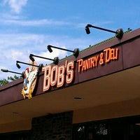 Foto scattata a Bob's Pantry & Deli da Keith B. il 6/3/2012