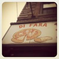 Das Foto wurde bei Di Fara Pizza von Katie K. am 7/7/2012 aufgenommen