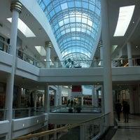 รูปภาพถ่ายที่ Shopping Crystal โดย Rodrigo D. เมื่อ 3/29/2012