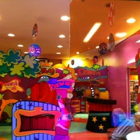 Foto tirada no(a) Play Space por Pat T. em 6/9/2012