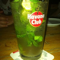 Das Foto wurde bei Uno Restaurant von Deniz D. am 7/15/2012 aufgenommen