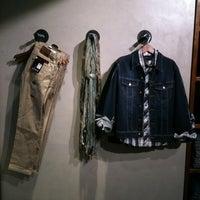 3/2/2012에 Christian P.님이 UFO Jeans에서 찍은 사진