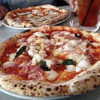 รูปภาพถ่ายที่ Settebello Pizzeria โดย Roy H. เมื่อ 6/19/2012