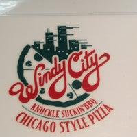 Снимок сделан в Windy City Pizza and BBQ пользователем Michael K. 4/24/2012