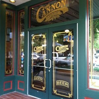 Foto tirada no(a) The Cannon Brew Pub por Alli em 9/12/2012